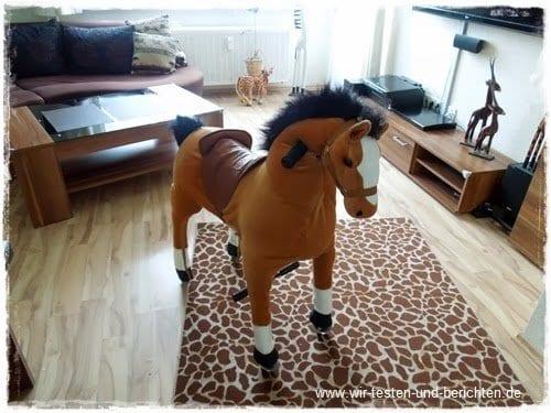 reitpferd blitz ein spielzeug pferd auf rollen zum reiten. Black Bedroom Furniture Sets. Home Design Ideas