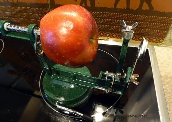 Eine Apfelschälmaschine ist ein Spaß für die ganze Familie 8