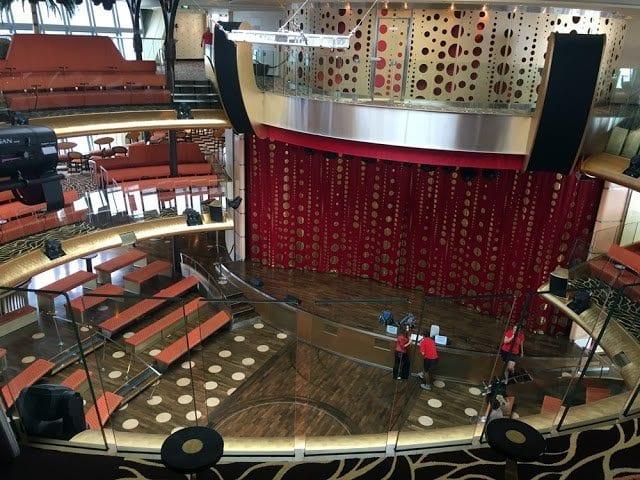 Theater aus Sicht von Deck 11