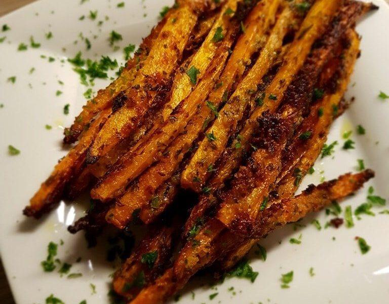 Geröstete Parmesan Knoblauch Karottensticks 3