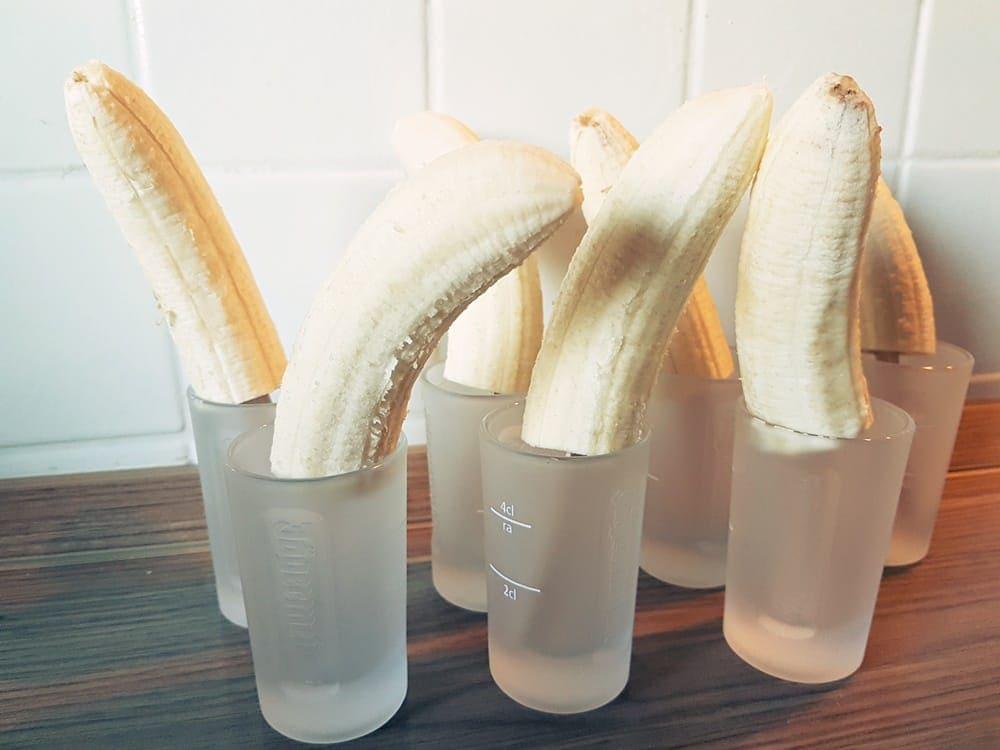 rezept bananen pinguine mit schokolade wir testen und. Black Bedroom Furniture Sets. Home Design Ideas
