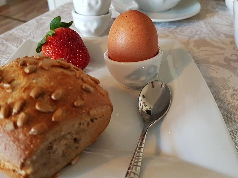 Fiftyeight Eierbecher Set glücklich & hmpff, küssend & verträumt