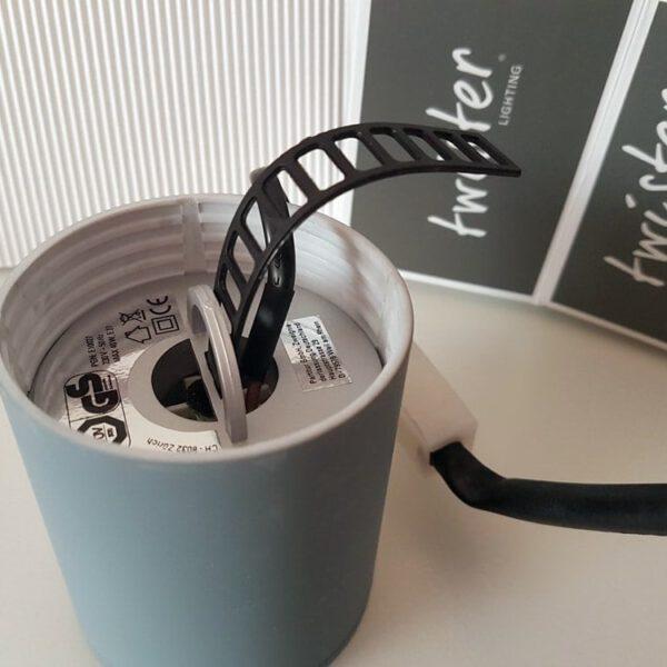 Twister Lighting, die erste Leuchte mit schraubenloser Montage 50