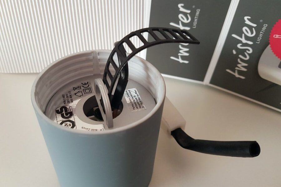 Twister Lighting, die erste Leuchte mit schraubenloser Montage 46