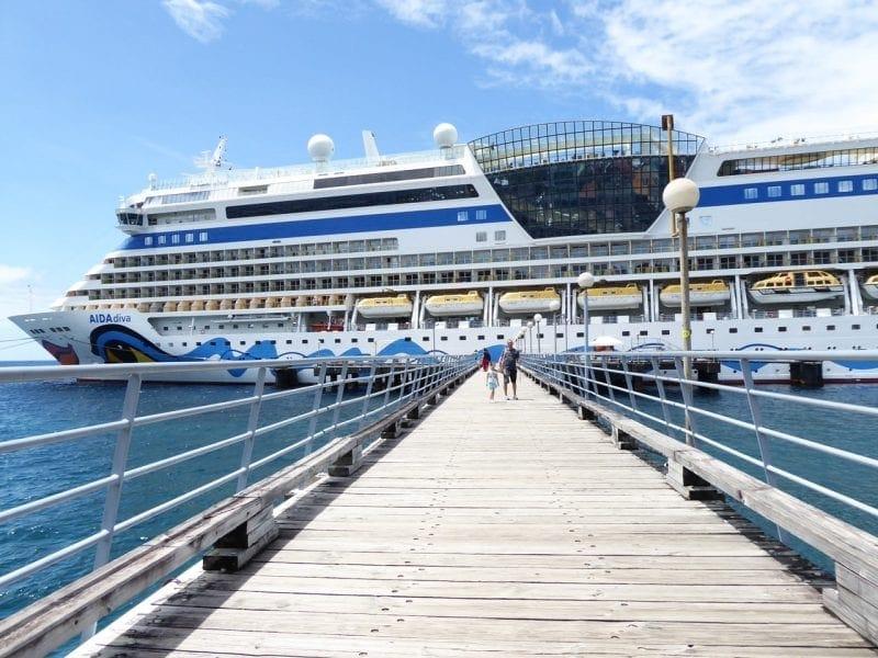 Dominica-Roseau-Pier