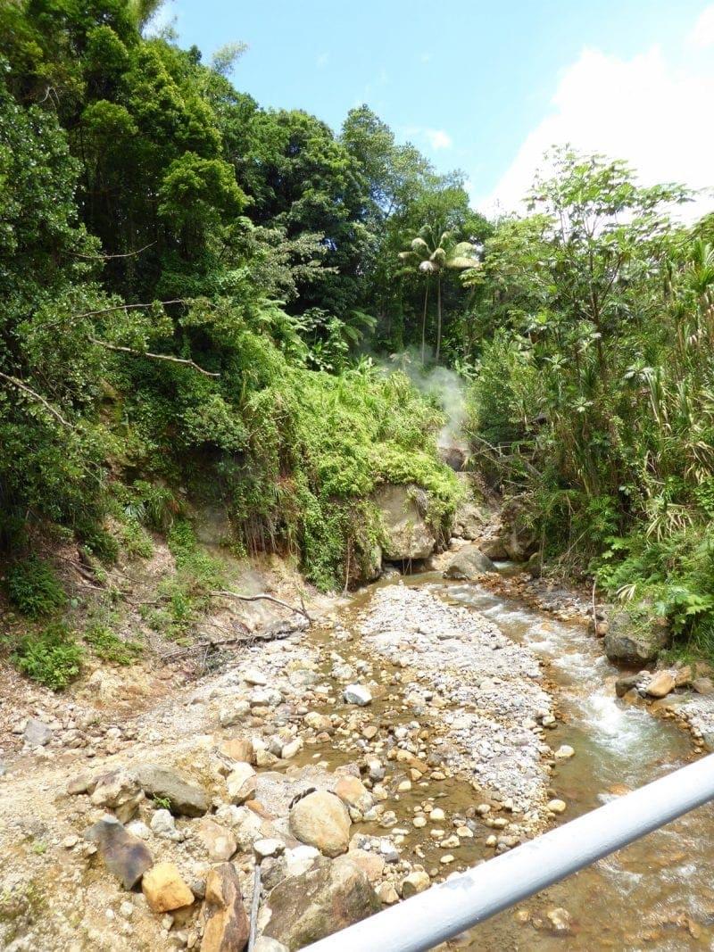 Sulfur-Springs-Schwefelquellen-Dominica
