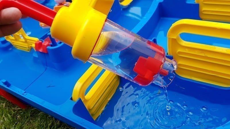 AquaPlay-versetzbare-Wasserpumpe-min