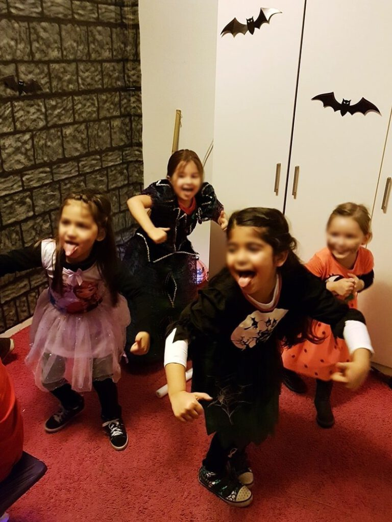 Kinder Halloween Party: Tanzen