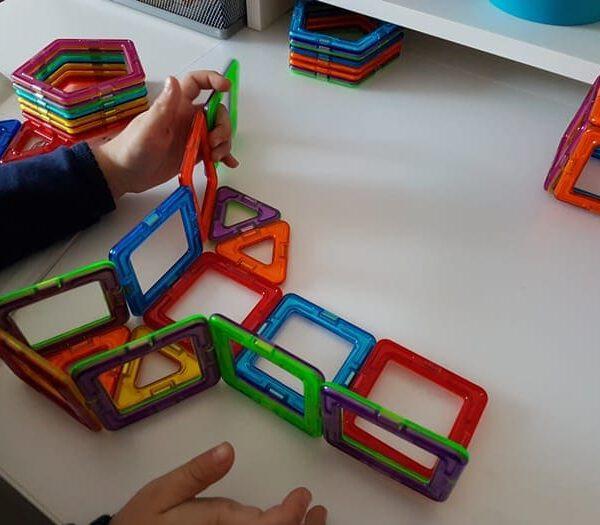 Wir testen das Magnetspielzeug Magformers für Kinder