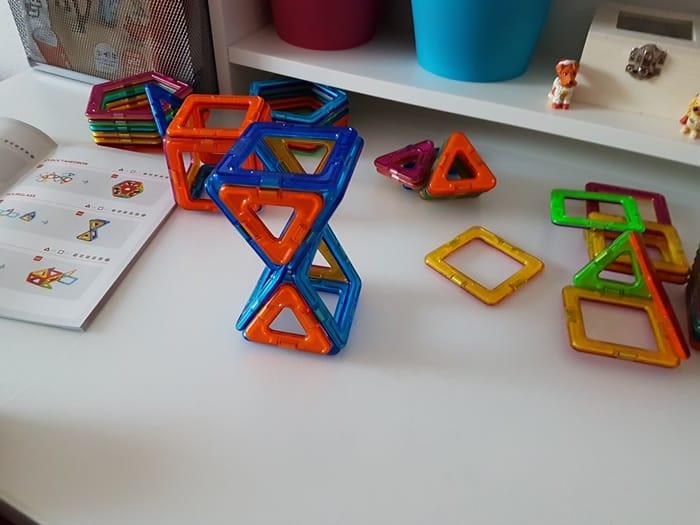 Bauen mit Magformers Magnet Bausteinen