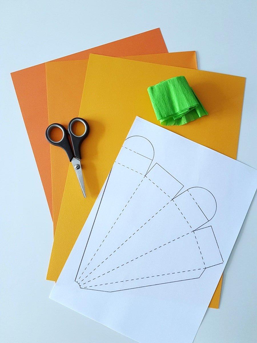 karotten geschenkverpackung zu ostern basteln inkl vorlage. Black Bedroom Furniture Sets. Home Design Ideas