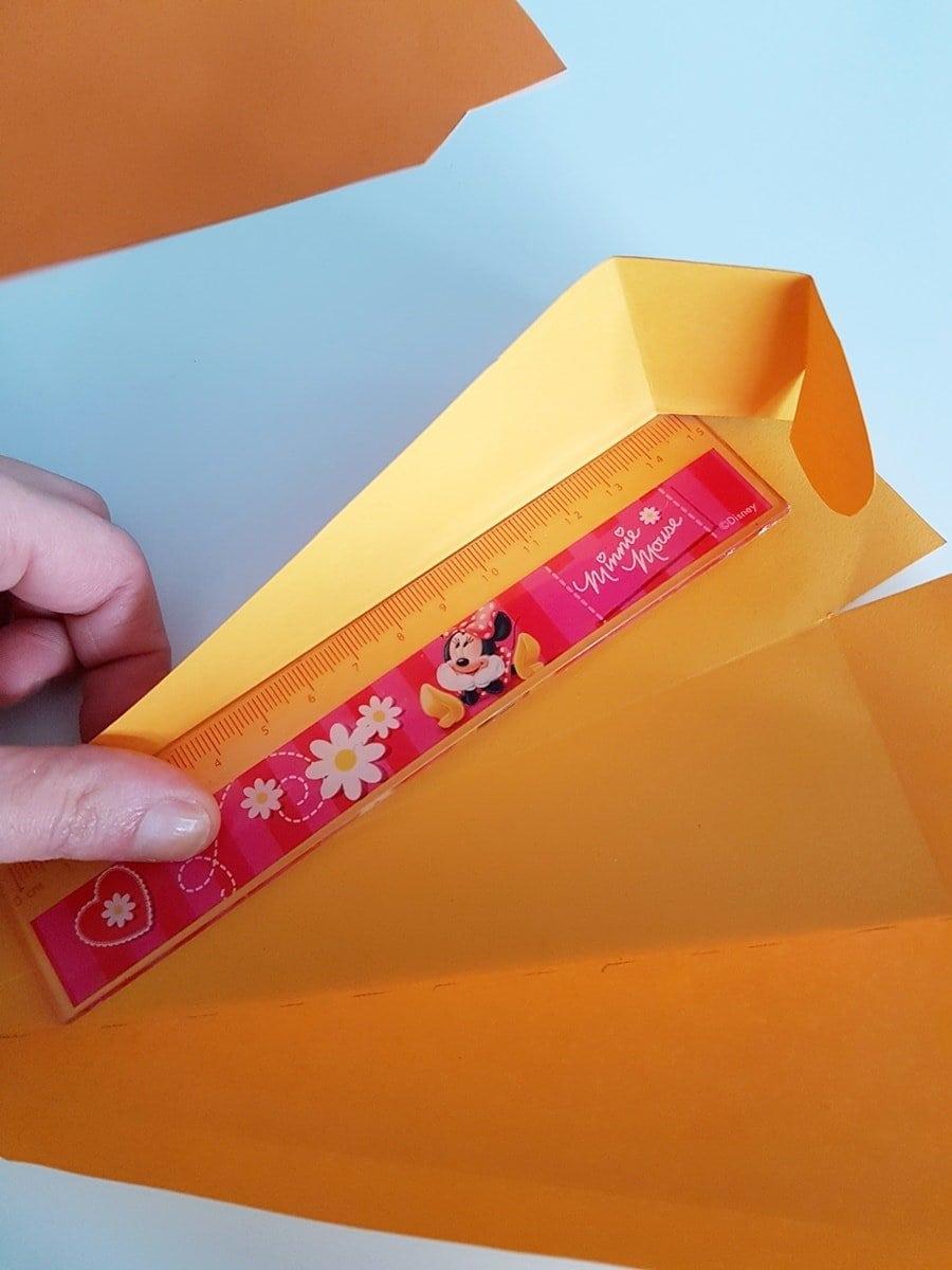 Karotten-Geschenkverpackung falten: