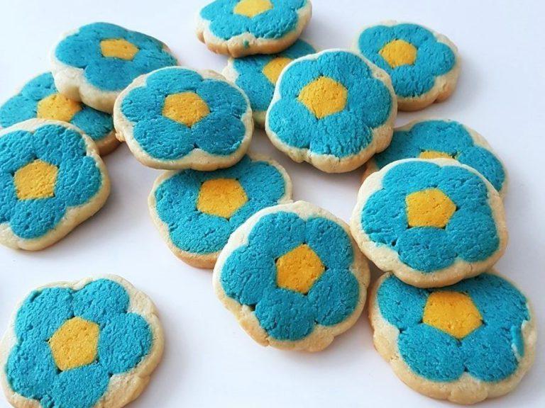 Rezept und Anleitung Kekse backen mit Blumen-Motiv (innen) Motivkekse ohne Ausstechform