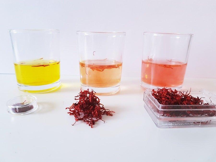 Safran Wasser-Natron-Test: Echt + Fälschung