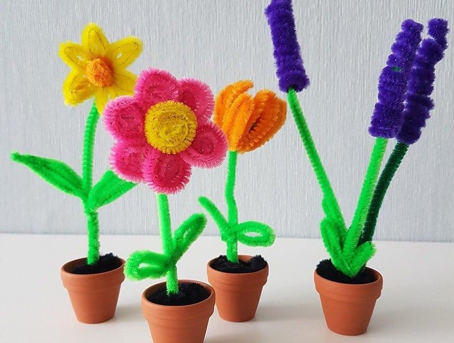 Osterbasteln für Kinder Tulpen Lavendel Osterglocken Blumen basteln