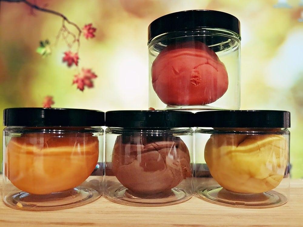 Bunte Duftknete im Herbst selber machen : Rezept für selbstgemachte Duftknete