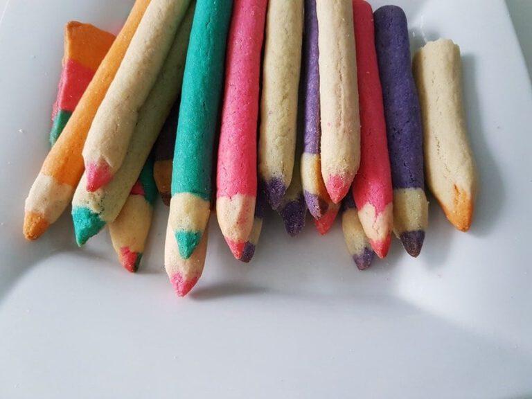 Buntstift-Kekse Rezept: Essbare Keksstifte backen zur Einschulung 2