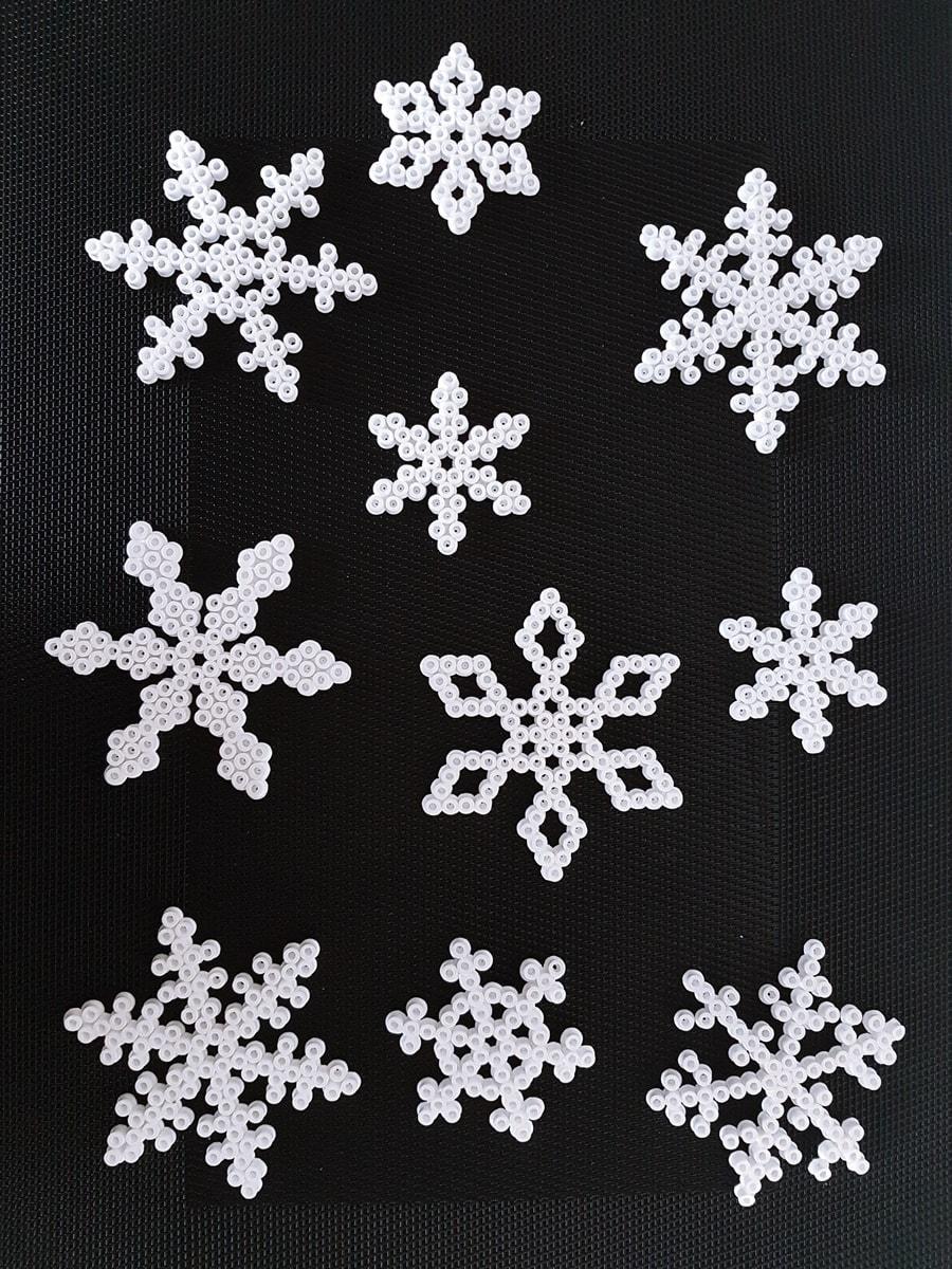 Schneeflocke Bastelanleitung: Bügelperlen Vorlage Weihnachten