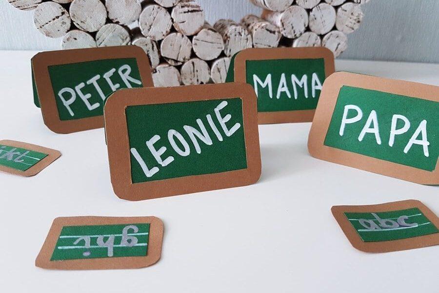 Bastelanleitung: Tischkarten Namensschilder Schule