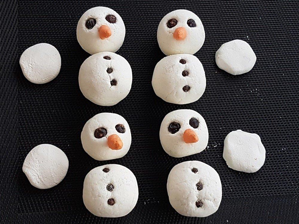 Schäumende Schneemann Badekugeln Rezept und Anleitung